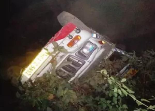 bolero camper plunged into deep ditch