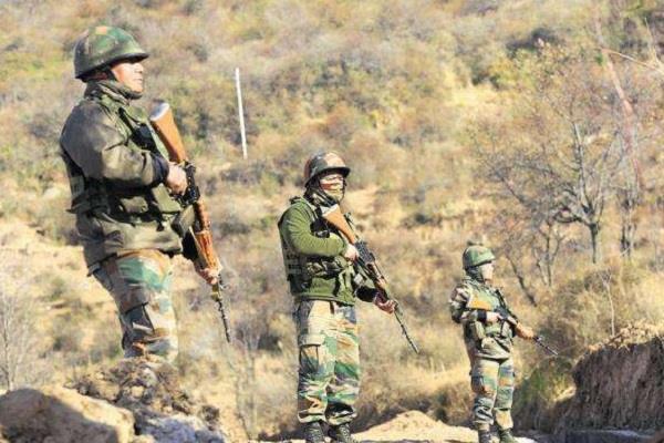 pakistani intruder arrested near indo pak border