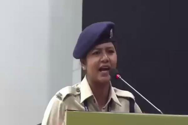 crpf gave the advised to constable khushboo chauhan