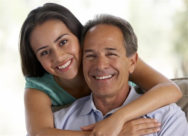 पिता भी बन सकते हैं अपनी बेटी के दोस्त, बस करने होंगे ये 5 काम