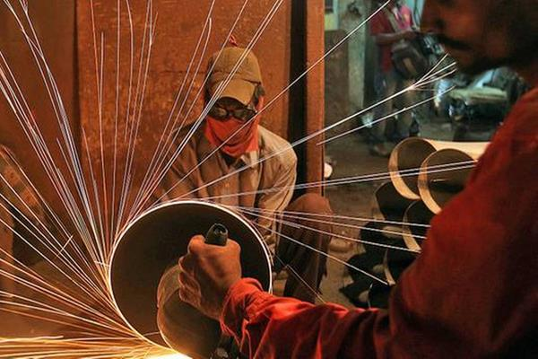 manufacturing activity in september persists at august level due to weak demand