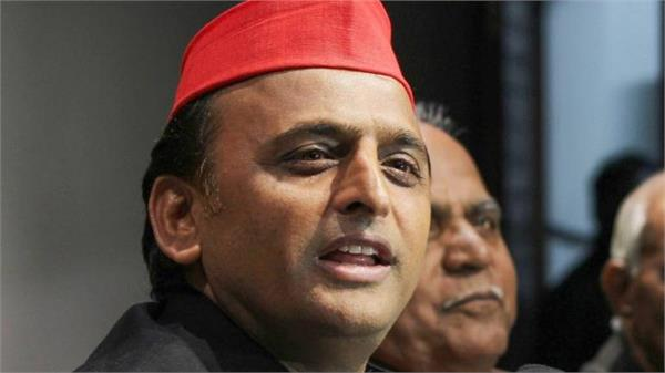 akhilesh strongly attacked bjp said government stands with oil