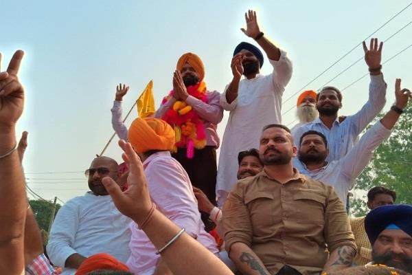 manpreet ayali won from dakha