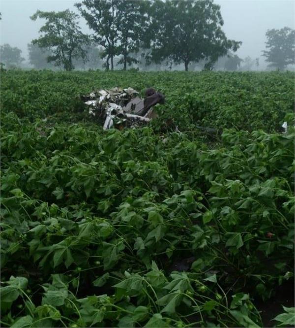 telangana pilot killed in trainer aircraft crash in vikarabad