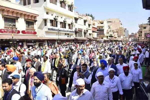 ambassadors from 91 countries reached golden temple