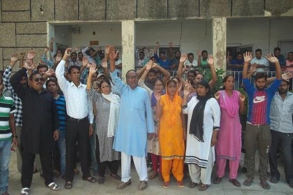 strike over a d d c sanitation workers returned work after talking
