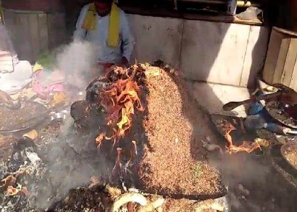 shatchandi mahayagya in nayana devi on diwali