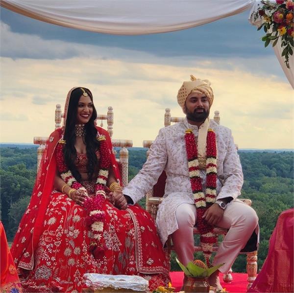 अनीता डोंगरे का रेड लहंगा पहनकर न्यू जर्सी में रचाई मराठी शादी