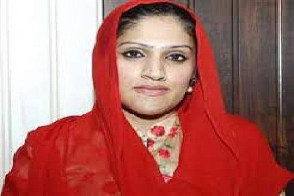 ashok tanwar s wife avantika said will remain in congress till death