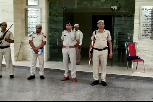 congress workers camped outside strong room for evm security