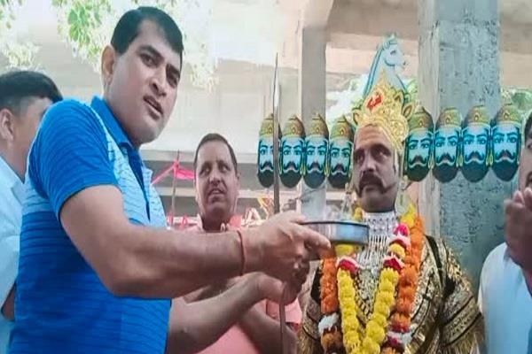 in mathura on the day of vijayadashami the scholar ravana is worshiped