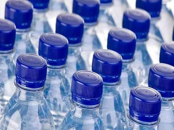 mineral water bottles being sold openly even after the ban