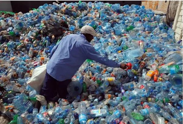 government will give 3 lakh rupees to those who use single plastic option