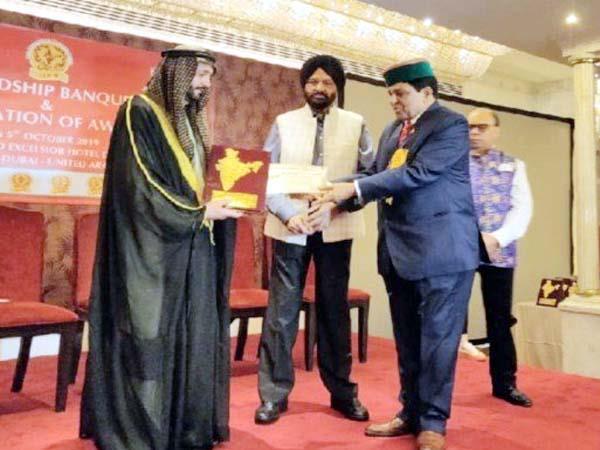 dhaniram shandil get jewel of india award in dubai