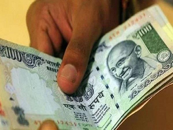 lekhpal arrested for taking bribe in ratlam