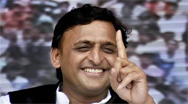 akhilesh s samajwadi party becomes the richest party in