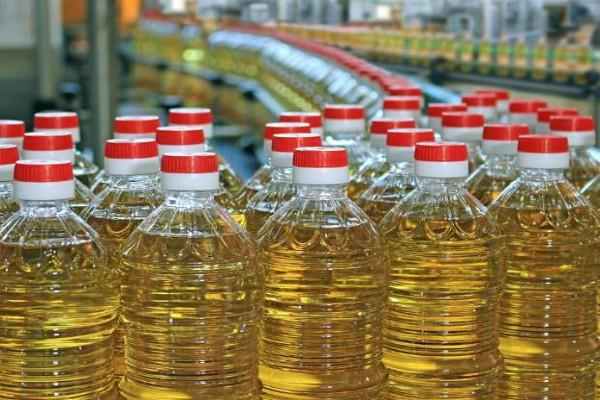 oilseeds producing farmers not getting fair price to cheap import of edible oils