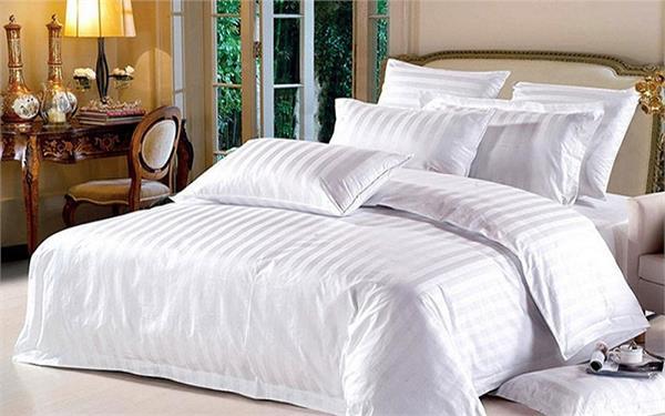 इन 4 कारणों से होटल में बिछाई जाती है सफेद चादरें