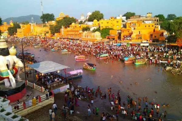 8 lakh devotees took the plunge of faith in chitrakoot
