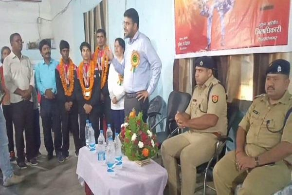 siddharthnagar young players who won 2 gold and 1 silver medal received