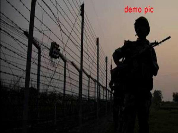 bsf recovers 2 packets heroin on india pakistan border