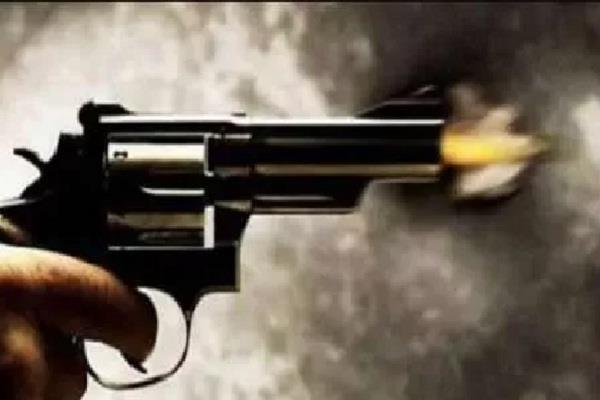 textile businessman shot dead during robbery