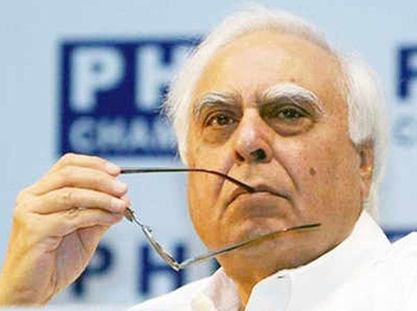 kapil sibal says  jagal raj  in up action should be taken in tiwari