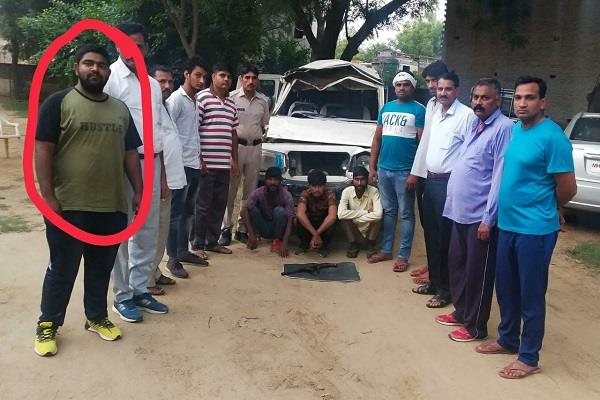 encounter between cow smugglers and cow guards one injured in firing