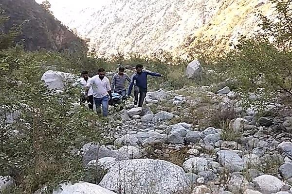 vehicle falls in banihal two killed