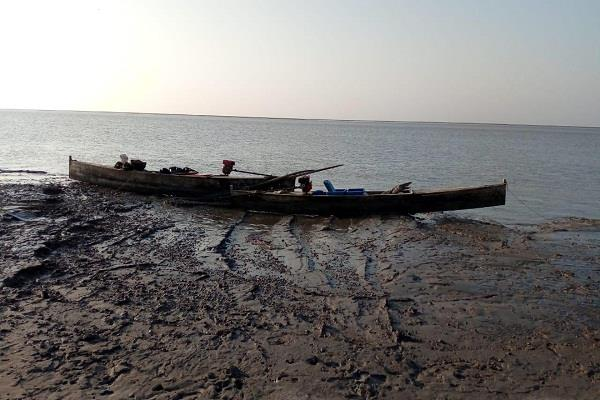 5 boats of pakistan caught by bsf in gujarat