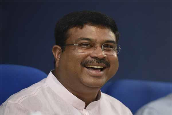 ongc is free to sell stake in hpcl pradhan