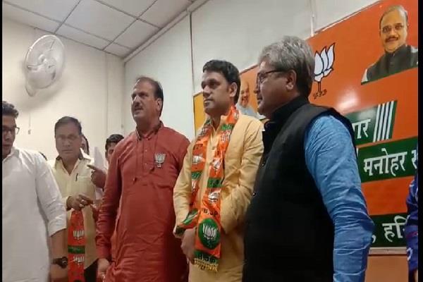haryana vis election 2019 jjp got a big shock state spokesman joined bjp