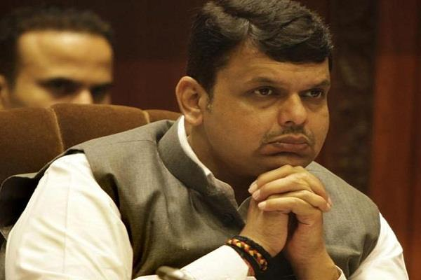 pmc bank to seek help from center to help depositors fadnavis