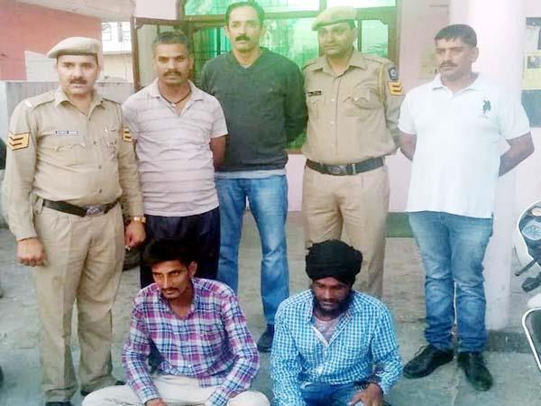 2 youth arrested during attempt theft of gas cylinder