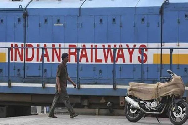 trains will run at a speed of 160 km on delhi mumbai