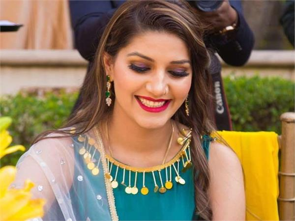 big relief to sapna chaudhary in the case of fir filed under sc st act
