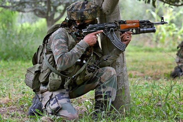 jammu and kashmir punjab apple traders attacked in shopian 1 killed