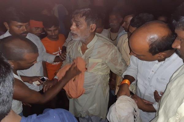 bihar former minister ramkripal visiting flood affected area survived drowning