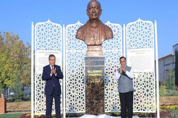 rupani unveiled the statue of vallabhbhai patel in uzbekistan