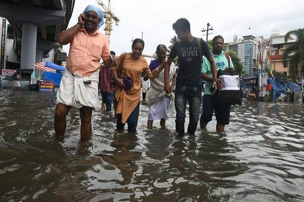 monsoon active again in kerala red alert issued in seven districts
