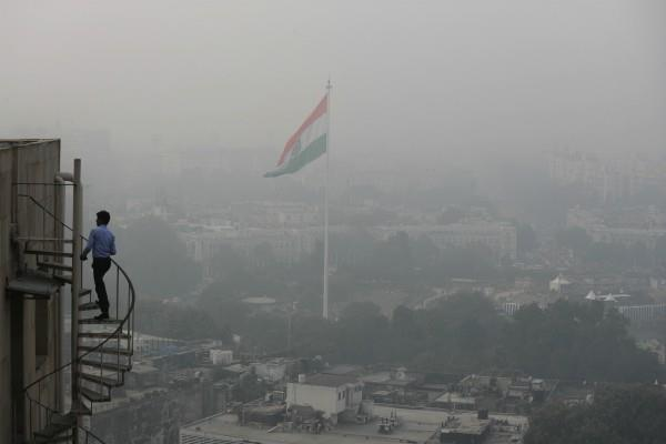 pollution level becomes dangerous in delhi ncr