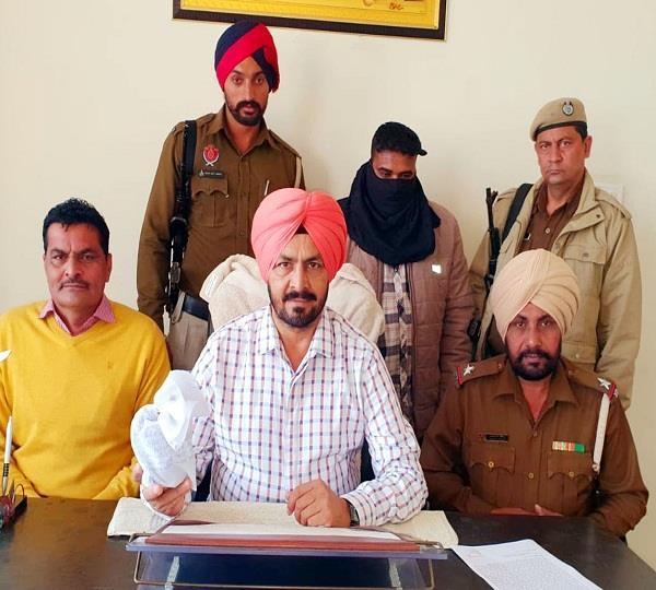 smuggler arrested with 90 million heroin