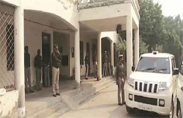 noida home guard pay scam 5 senior officers arrested