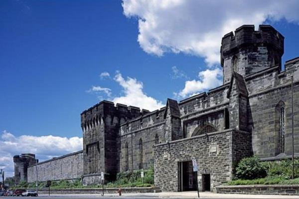 prison hell america eastern state penitentiary travelling prisoners