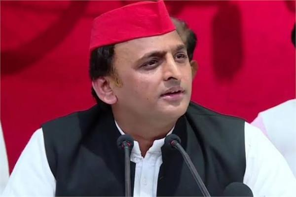 subhash chandra bose was the most important rail in getting freedom akhilesh