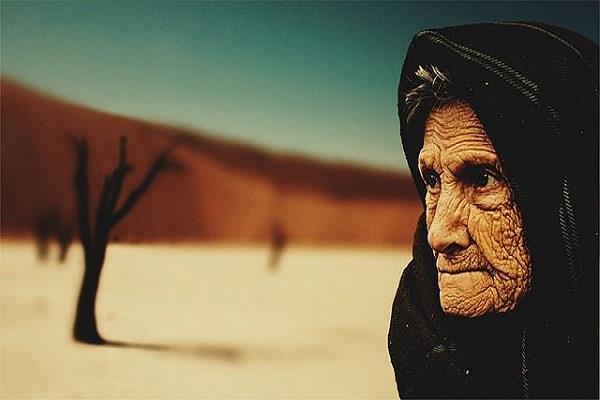 सपने में दिखते बुढ़े लोग इन बातों का देते हैं संकेत