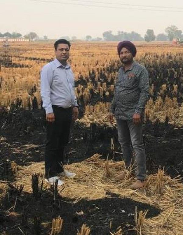 former chief secretary of akali government cut challan for burning stubble