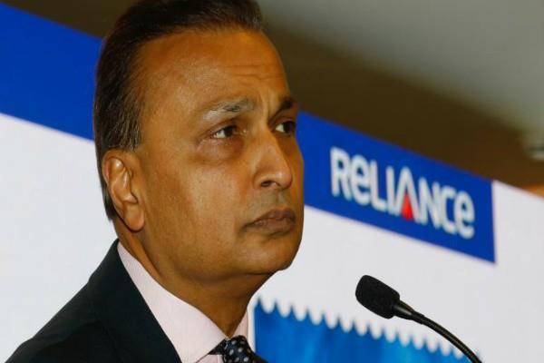 mukesh ambani withdraws from buying rcom