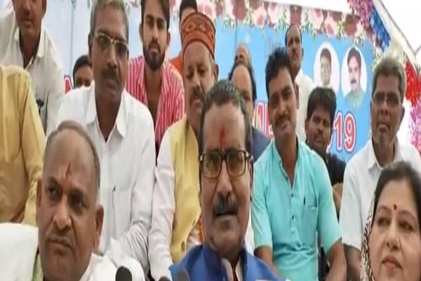 shivraj looted people of state 15 years made false promises harsh yadav