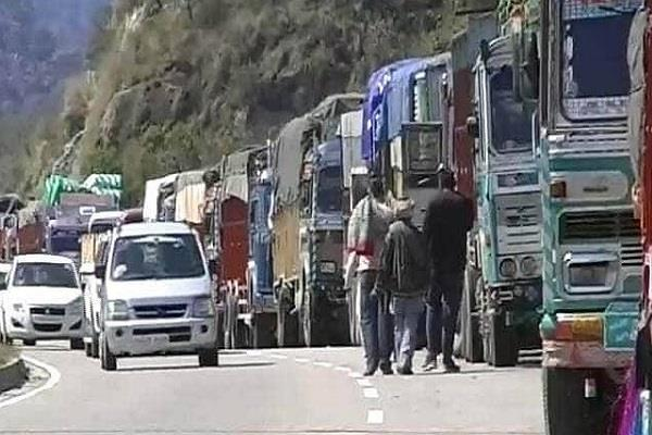 jammu srinagar national highway closed again due to landslide